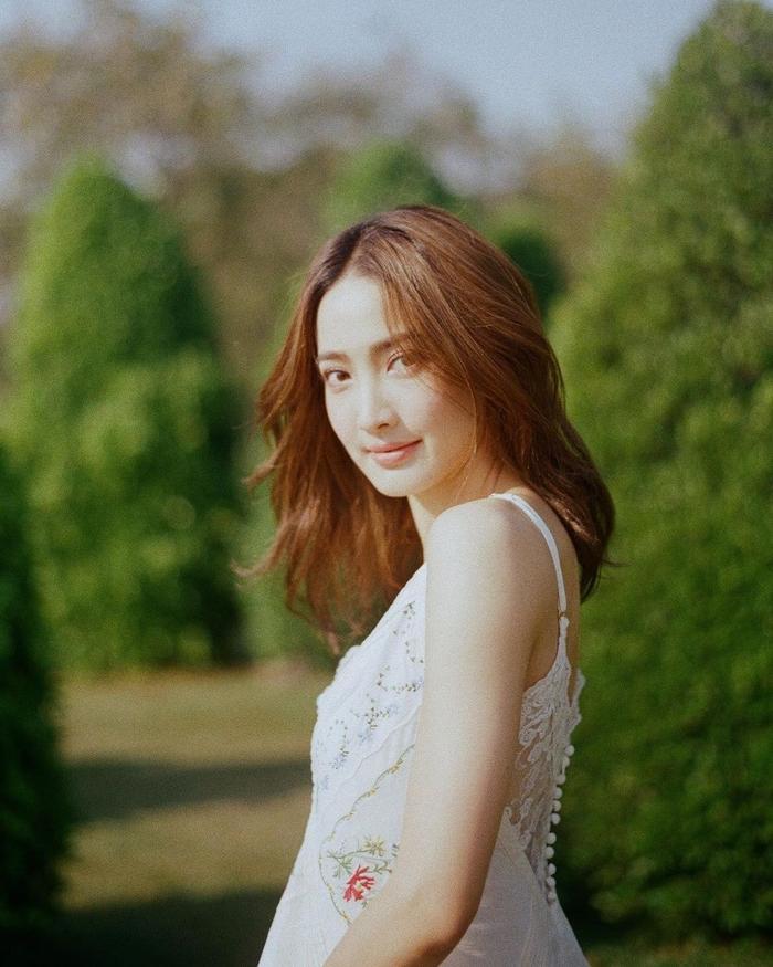 Quản lý của Taew Natapohn phủ nhận tin đồn cô sắp rời đài 3: 'Còn làm việc lâu, sắp có phim lên sóng'