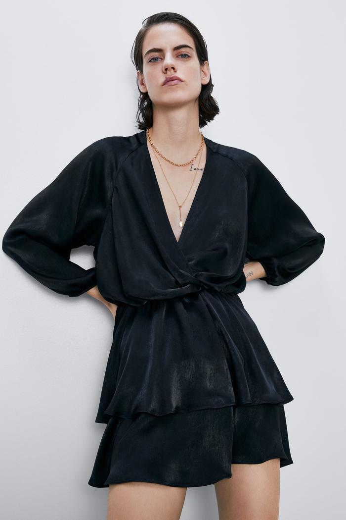 Little Black Dress - Bí quyết chọn mẫu váy đen huyền thoại theo từng dáng người Ảnh 4