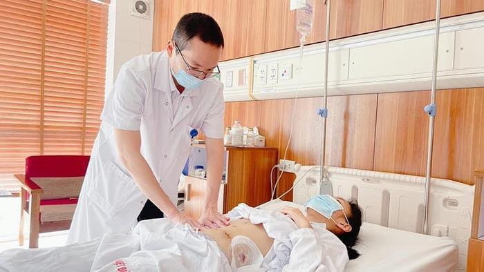 Nữ sinh bị tai nạn giao thông đứt rời đuôi tuỵ được phẫu thuật thành công để kịp dự thi tốt nghiệp THPT Ảnh 1