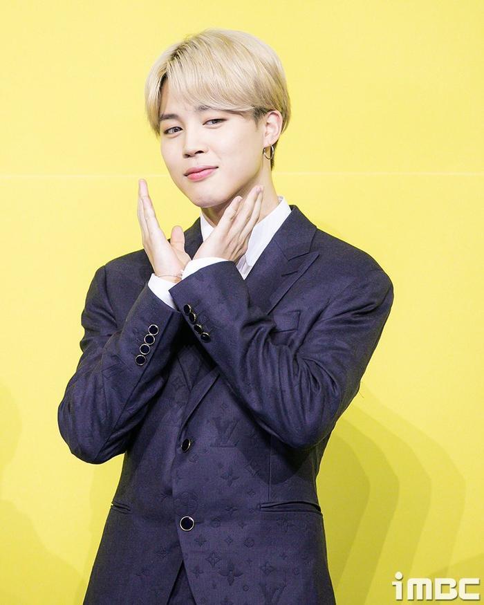 Ngắm nhìn loạt khoảnh khắc BTS 'thật là vàng tươi' trong họp báo comeback Butter Ảnh 56