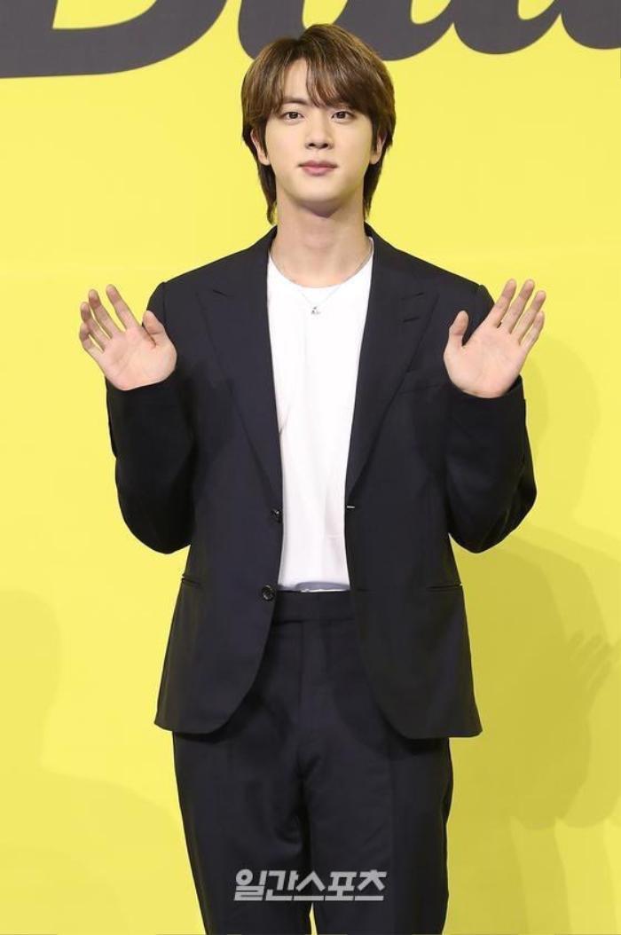 Ngắm nhìn loạt khoảnh khắc BTS 'thật là vàng tươi' trong họp báo comeback Butter Ảnh 27