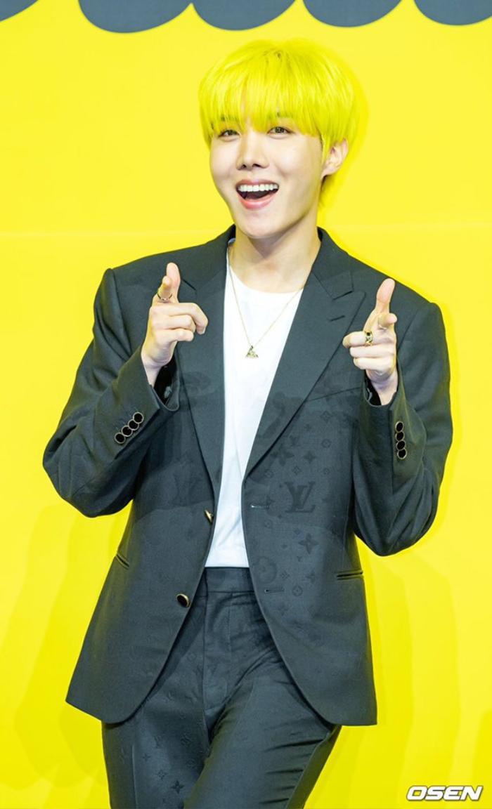 Ngắm nhìn loạt khoảnh khắc BTS 'thật là vàng tươi' trong họp báo comeback Butter Ảnh 46