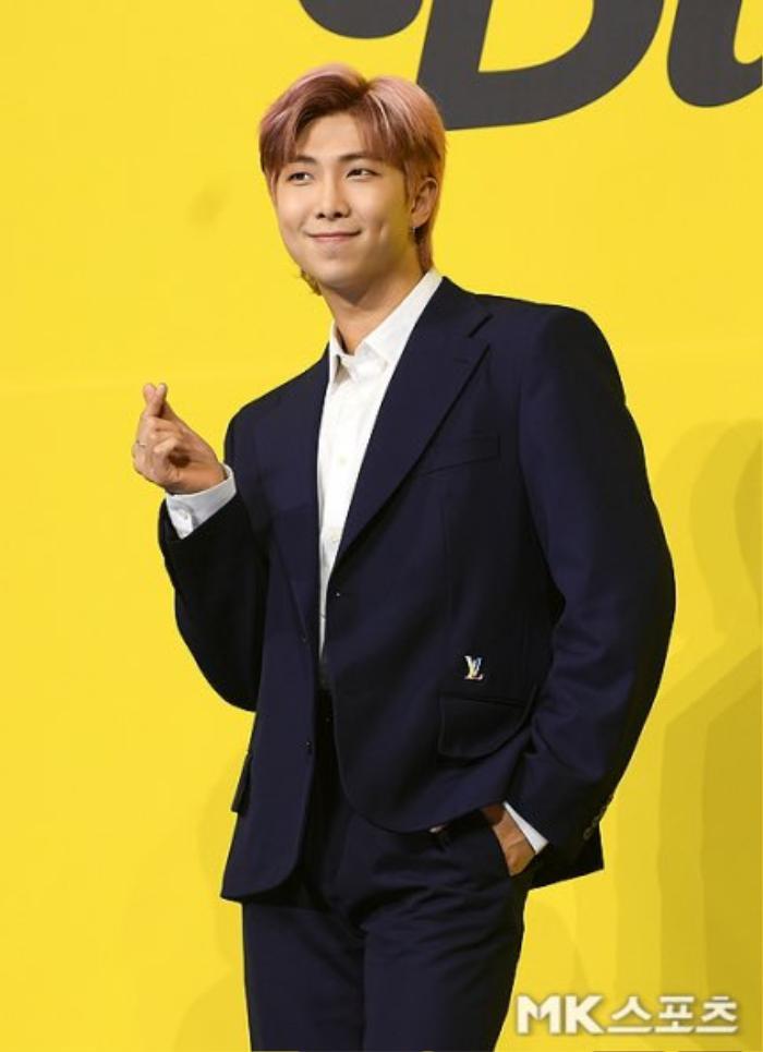 Ngắm nhìn loạt khoảnh khắc BTS 'thật là vàng tươi' trong họp báo comeback Butter Ảnh 37