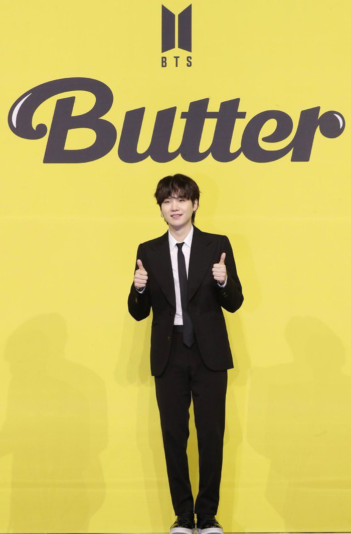 Ngắm nhìn loạt khoảnh khắc BTS 'thật là vàng tươi' trong họp báo comeback Butter Ảnh 29