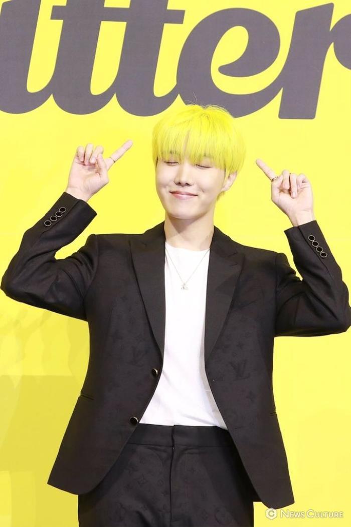 Ngắm nhìn loạt khoảnh khắc BTS 'thật là vàng tươi' trong họp báo comeback Butter Ảnh 45