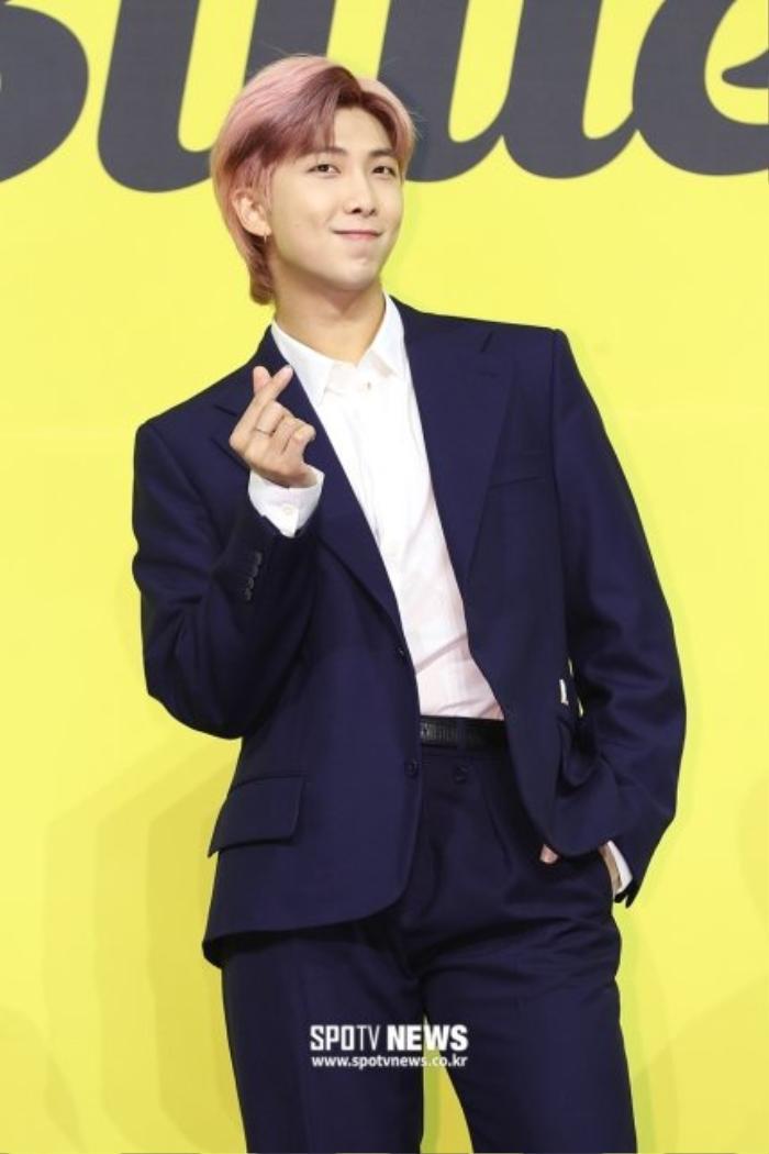 Ngắm nhìn loạt khoảnh khắc BTS 'thật là vàng tươi' trong họp báo comeback Butter Ảnh 43