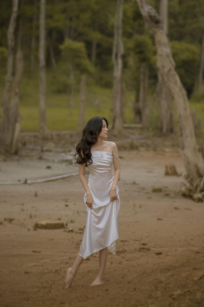 Nhan sắc của Nam Em trong bộ ảnh mới, đủ lực chinh chiến Miss Universe Việt Nam chưa? Ảnh 2