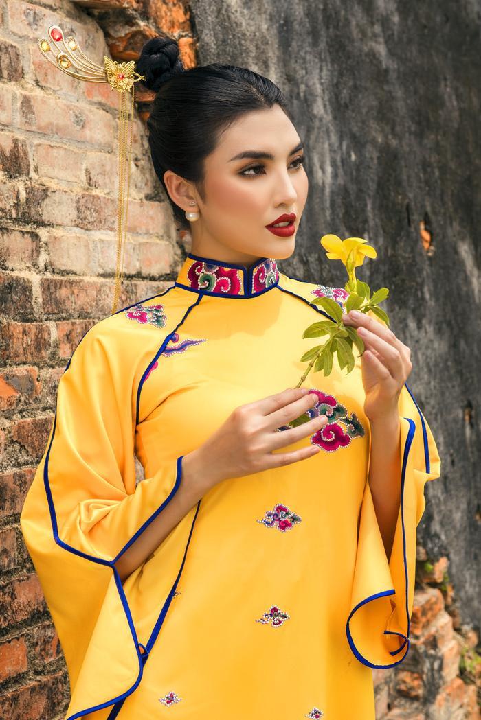 Xót xa ngắm bộ áo dài chưa kịp công bố của NTK Nhật Dũng Ảnh 12