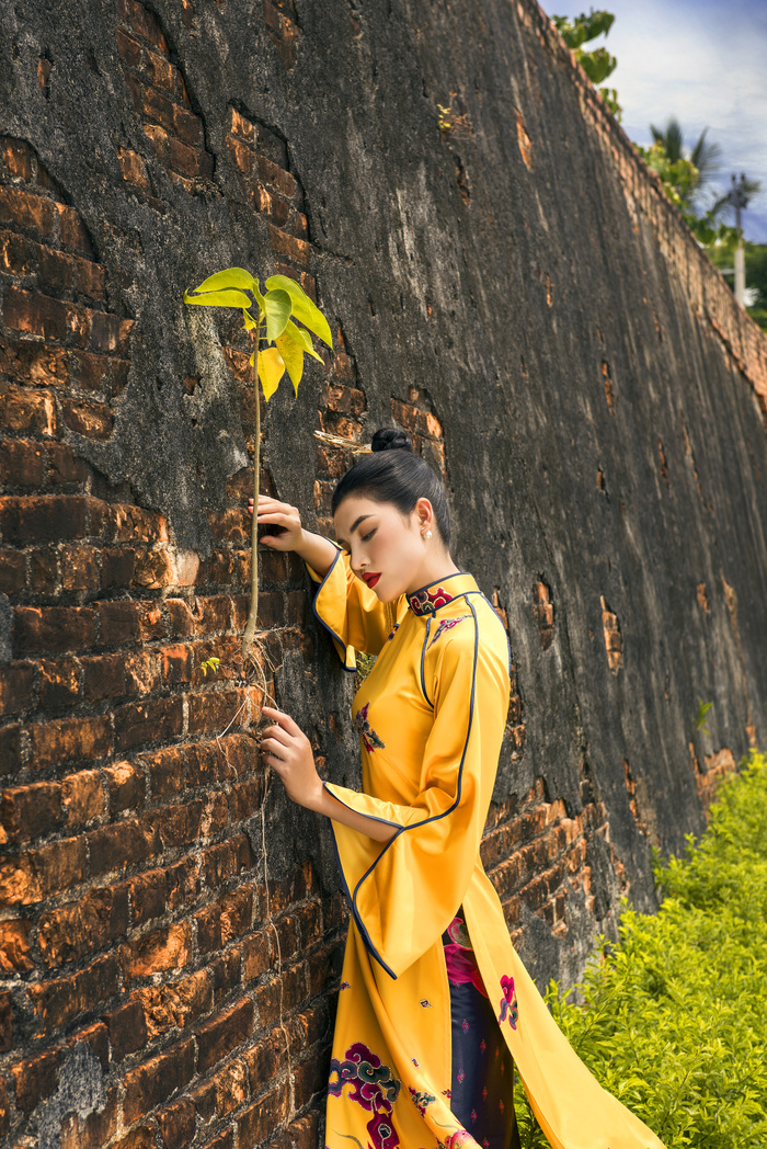 Xót xa ngắm bộ áo dài chưa kịp công bố của NTK Nhật Dũng Ảnh 9