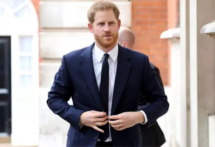 Harry gọi quãng thời gian ở hoàng gia là 'cơn ác mộng', từng được người thân khuyên 'chấp nhận cuộc chơi' Ảnh 1
