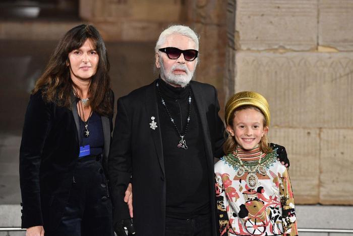 Cánh tay phải và cánh tay trái của ông hoàng Chanel- Karl Lagerfeld là ai? Ảnh 3