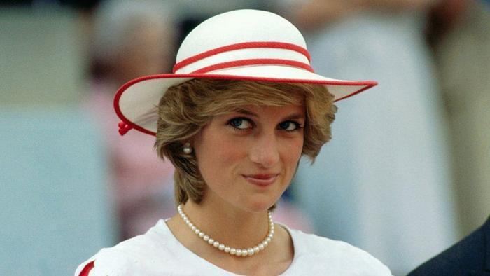 BBC 'xin lỗi vô điều kiện' vì cuộc phỏng vấn với Công nương Diana năm 1995 Ảnh 1