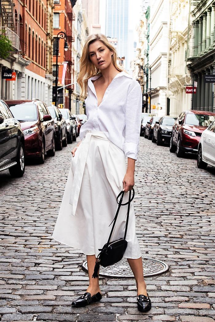 6 kiểu áo sơ mi trắng kinh điển nàng sành điệu không thể bỏ qua Ảnh 10