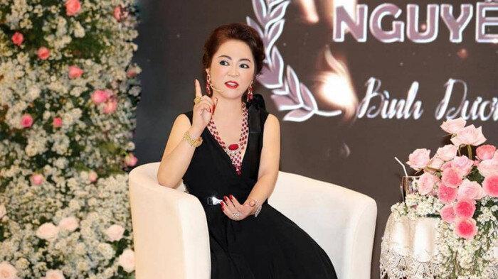 Bà Phương Hằng đáp trả khi Hoài Linh lên tiếng vụ 13 tỷ tiền từ thiện