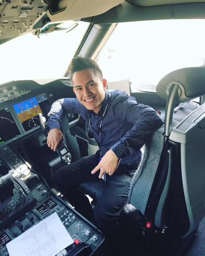 Con trai NS Hoài Linh: Tốt nghiệp cử nhân ĐH lớn ở Mỹ, kỹ sư hàng không American Airlines Ảnh 5