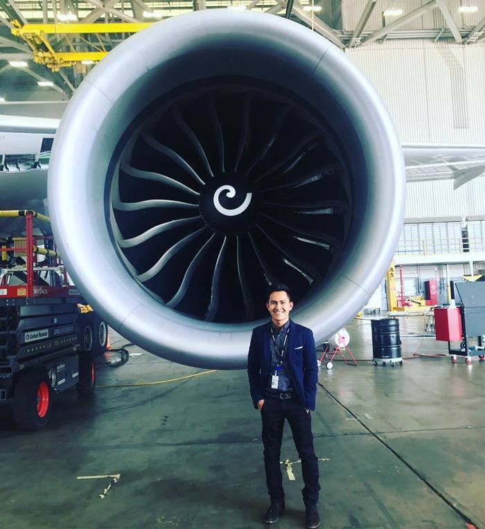 Con trai NS Hoài Linh: Tốt nghiệp cử nhân ĐH lớn ở Mỹ, kỹ sư hàng không American Airlines Ảnh 4