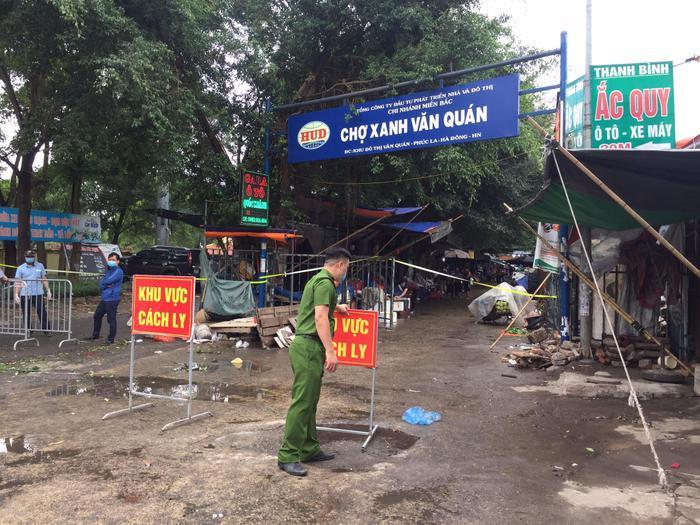Hà Nội tạm phong toả chợ Xanh Văn Quán vì có ca nghi mắc COVID-19 Ảnh 2