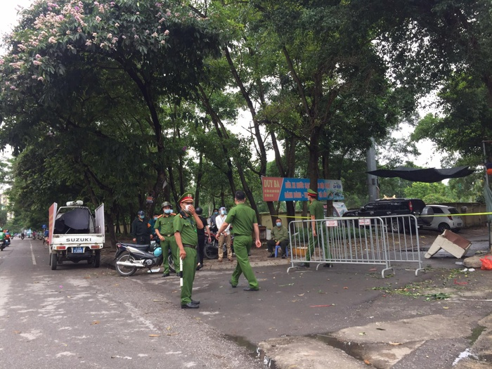 Hà Nội tạm phong toả chợ Xanh Văn Quán vì có ca nghi mắc COVID-19 Ảnh 4