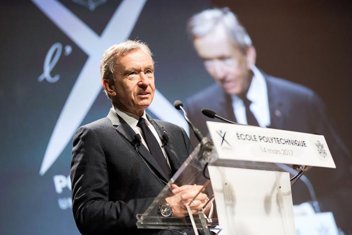 Ông chủ Louis Vuitton soán ngôi giàu nhất thế giới của tỷ phú Jeff Bezos Ảnh 3
