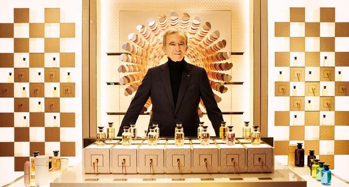 Ông chủ Louis Vuitton soán ngôi giàu nhất thế giới của tỷ phú Jeff Bezos Ảnh 1