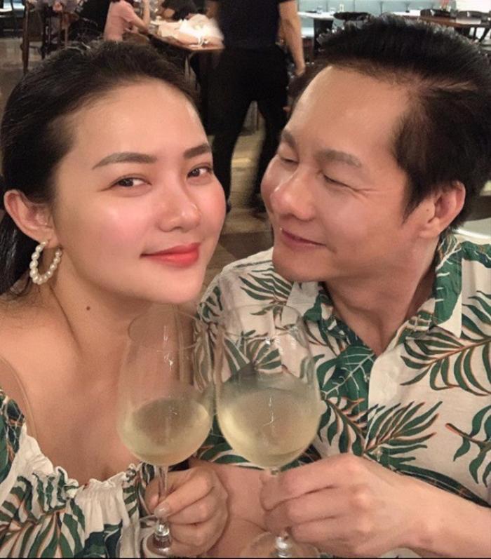 Phan Như Thảo được chồng hơn 26 tuổi cưng như bà hoàng, trao hết tài sản, đút tôm cho ăn Ảnh 1