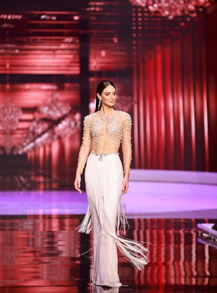 Miss Puerto Rico livestream tố bị cắt nát váy, Miss Universe 2020 tiếp tục dính phốt Ảnh 4