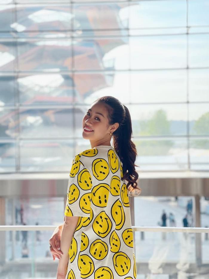 Hoa hậu Khánh Vân với streetstyle giản dị nhưng vẫn sáng bừng đường phố New York Ảnh 11