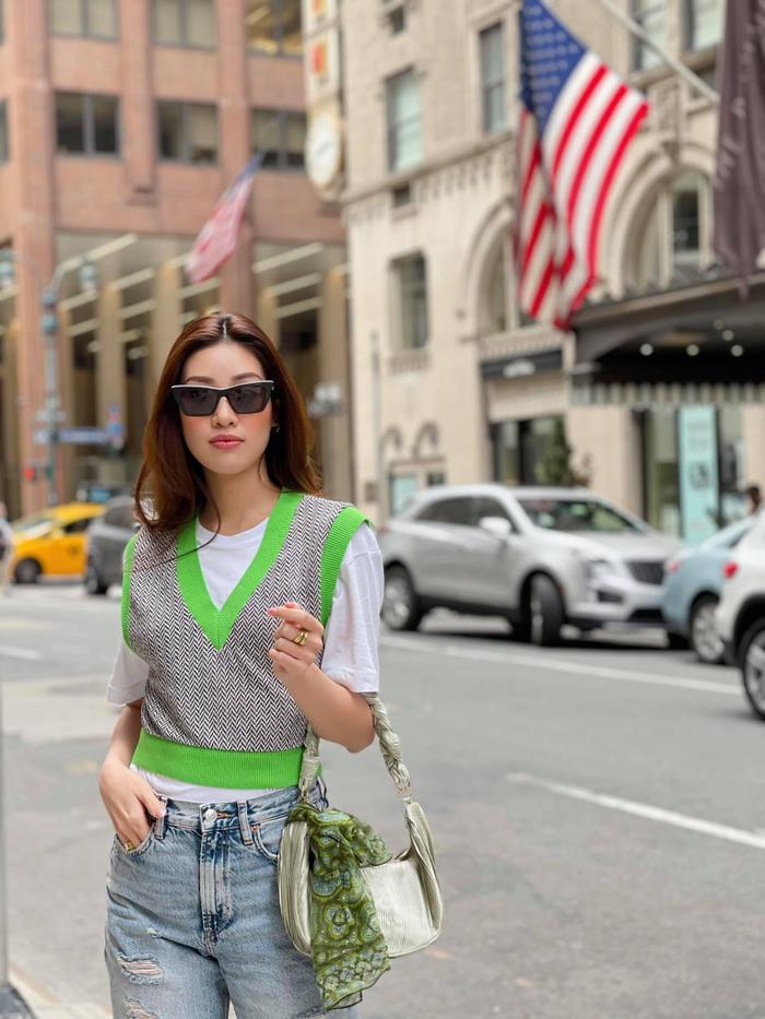 Hoa hậu Khánh Vân với streetstyle giản dị nhưng vẫn sáng bừng đường phố New York Ảnh 8