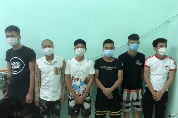 Bắc Giang: Xử phạt 6 người không chấp hành cách ly xã hội, tụ tập ăn uống với số tiền hơn 100 triệu đồng Ảnh 1