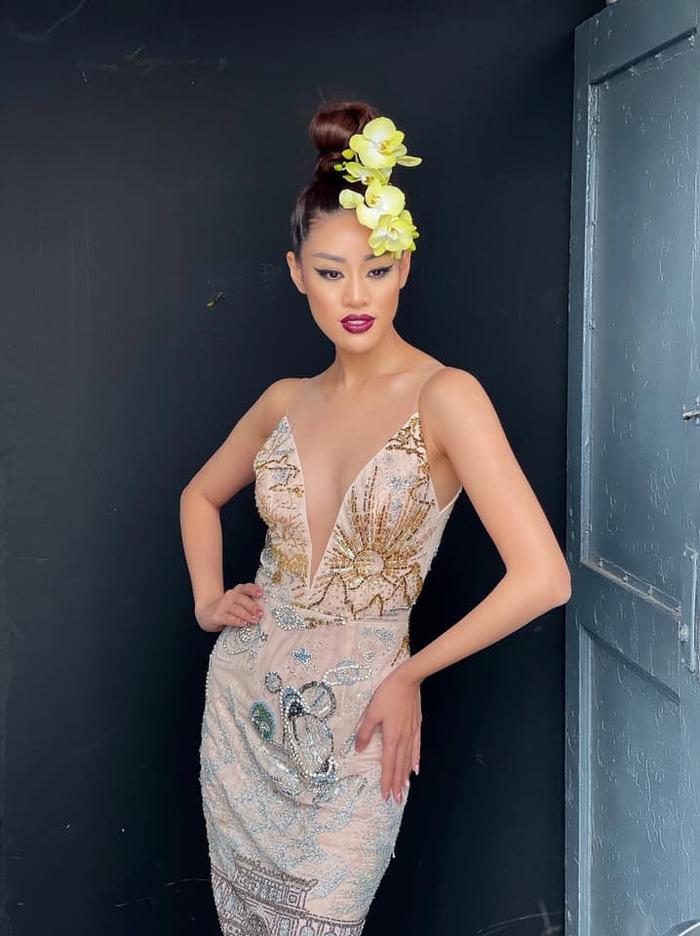 Khánh Vân đọ sắc với Miss Malaysia trong bộ ảnh mới, khoe trọn vẻ đẹp Á châu cực cuốn hút Ảnh 7