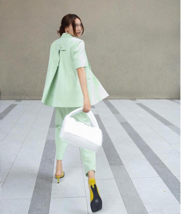 Ninh Dương Lan Ngọc diện áo lưới mix cùng suit cách tân vừa đẹp lại mát mẻ Ảnh 3