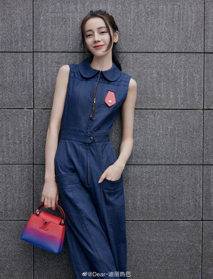 Lưu Diệc Phi lấn át Địch Lệ Nhiệt Ba trong loạt ảnh thời trang mới nhất chứng minh vị trí độc tôn Ảnh 6