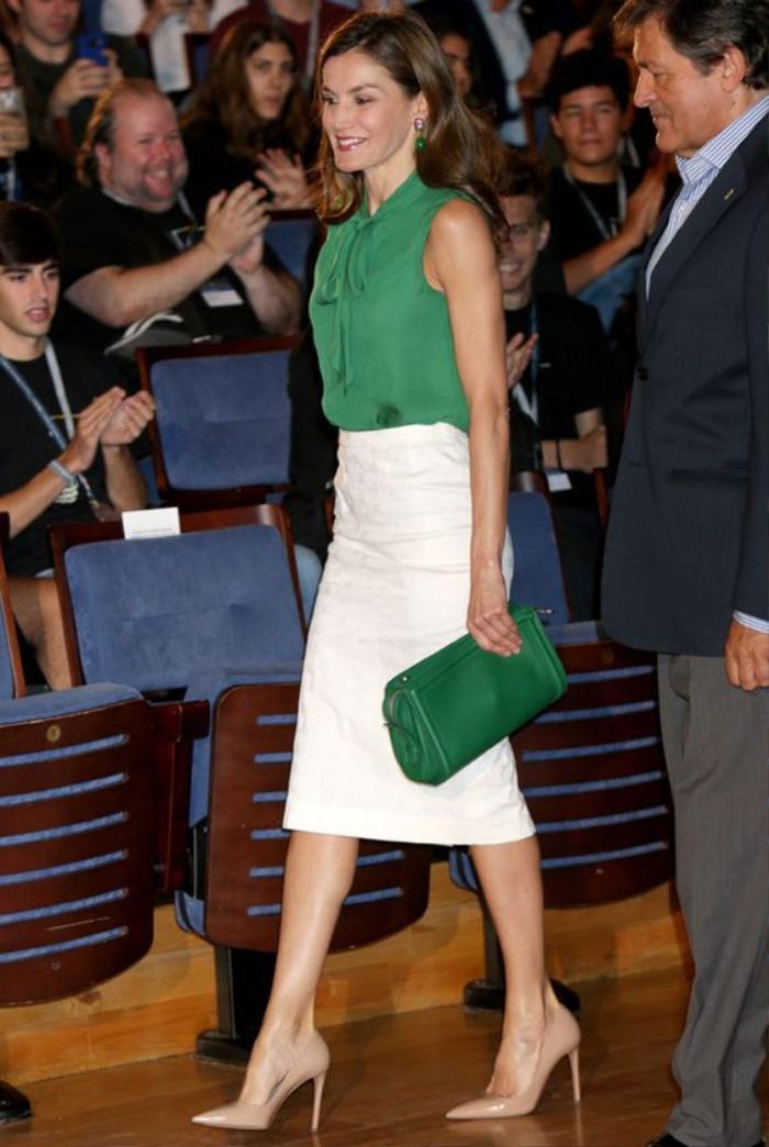 Mách nàng bí quyết phối đồ với màu xanh lá chuẩn như fashionista Ảnh 4