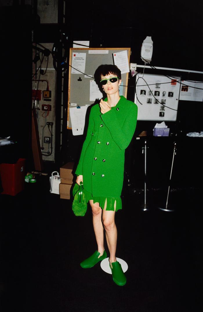 Mách nàng bí quyết phối đồ với màu xanh lá chuẩn như fashionista Ảnh 2