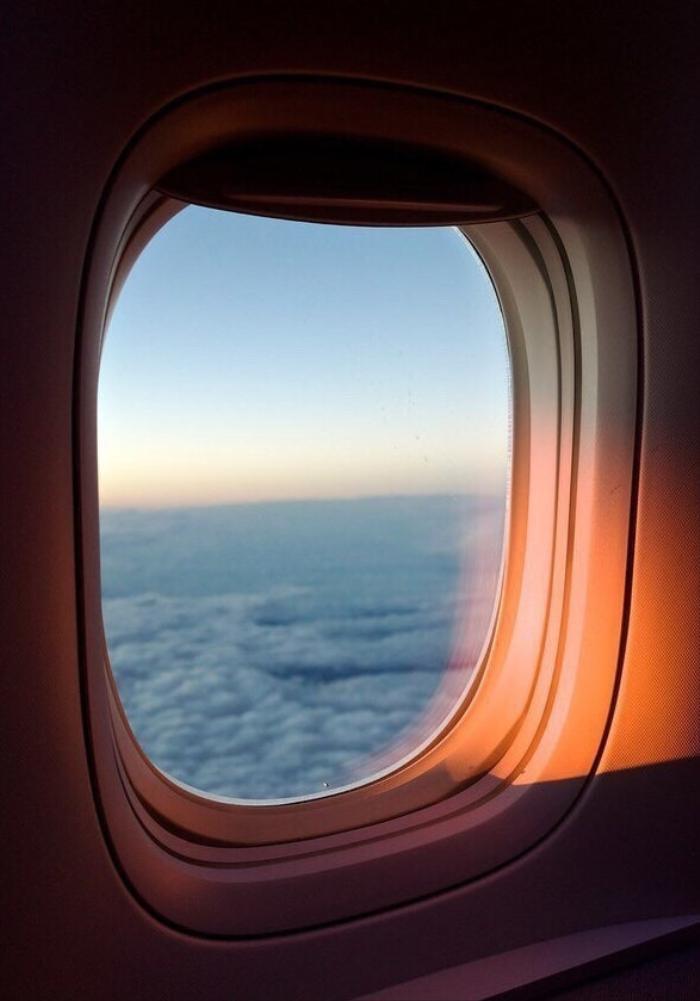 Vì sao máy bay không bao giờ có cửa sổ hình vuông? Ảnh 1