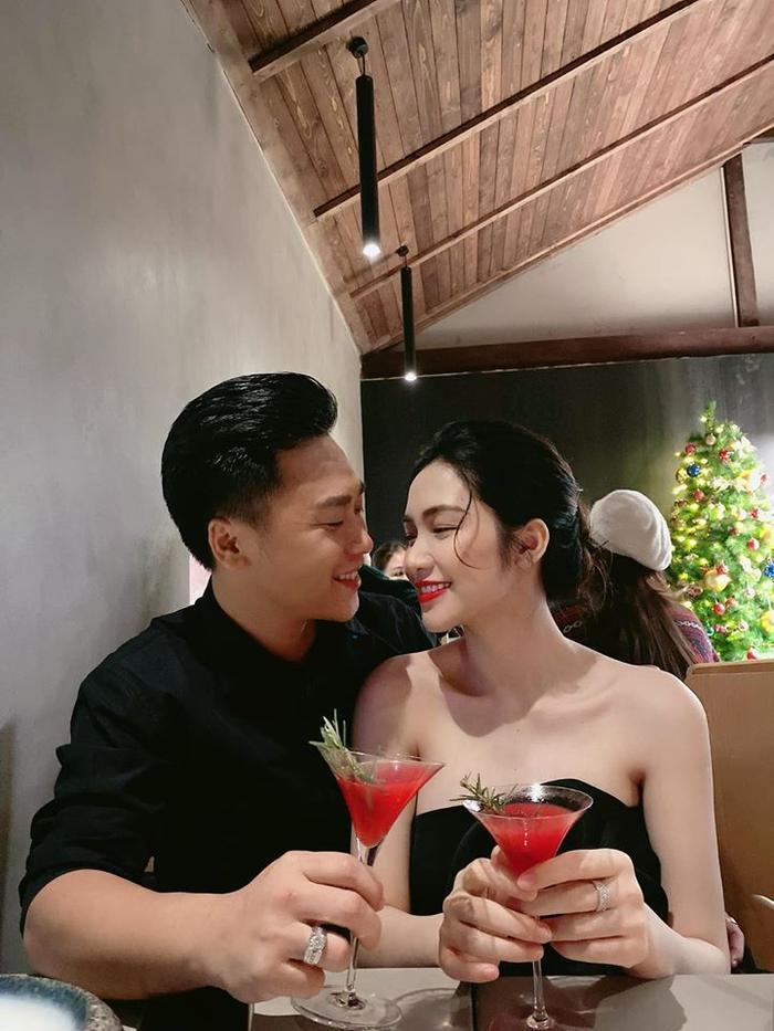 Hòa Minzy lần đầu tiết lộ lí do chưa làm đám cưới với ông xã thiếu gia dù đã sinh quý tử Ảnh 4