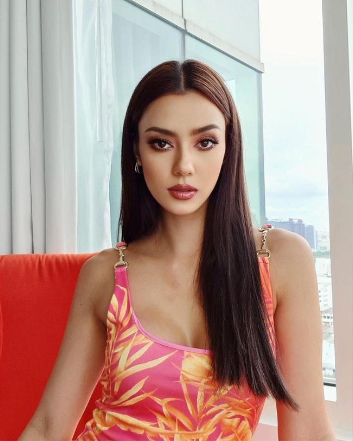 Đối thủ của Hoa hậu Khánh Vân dù đang cách ly nhưng lên đồ cứ như đi tiệc thời trang Ảnh 8