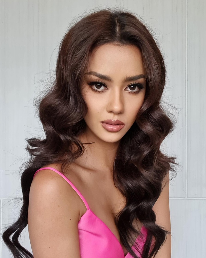 Đối thủ của Hoa hậu Khánh Vân dù đang cách ly nhưng lên đồ cứ như đi tiệc thời trang Ảnh 4