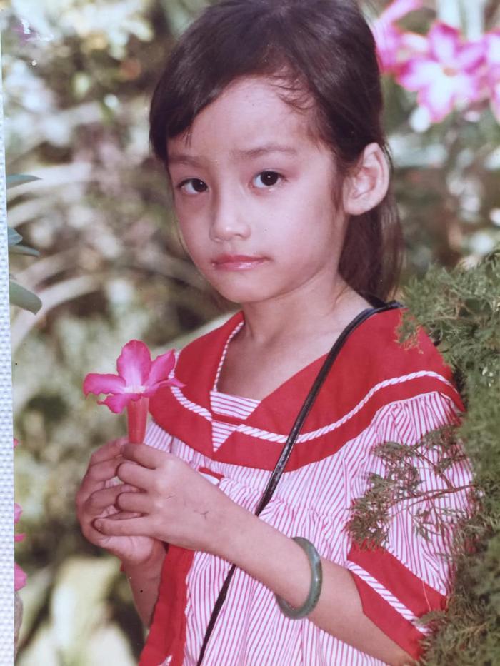 Đỗ Hà - Lương Thùy Linh - Tường San: Các nàng hậu 10X khoe ảnh 'xinh đẹp từ bé' là có thật Ảnh 7