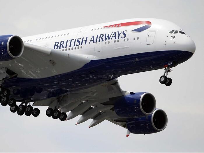 Tắc toilet và 10 lý do khó đỡ khiến những chiếc máy bay phải quay đầu Ảnh 1