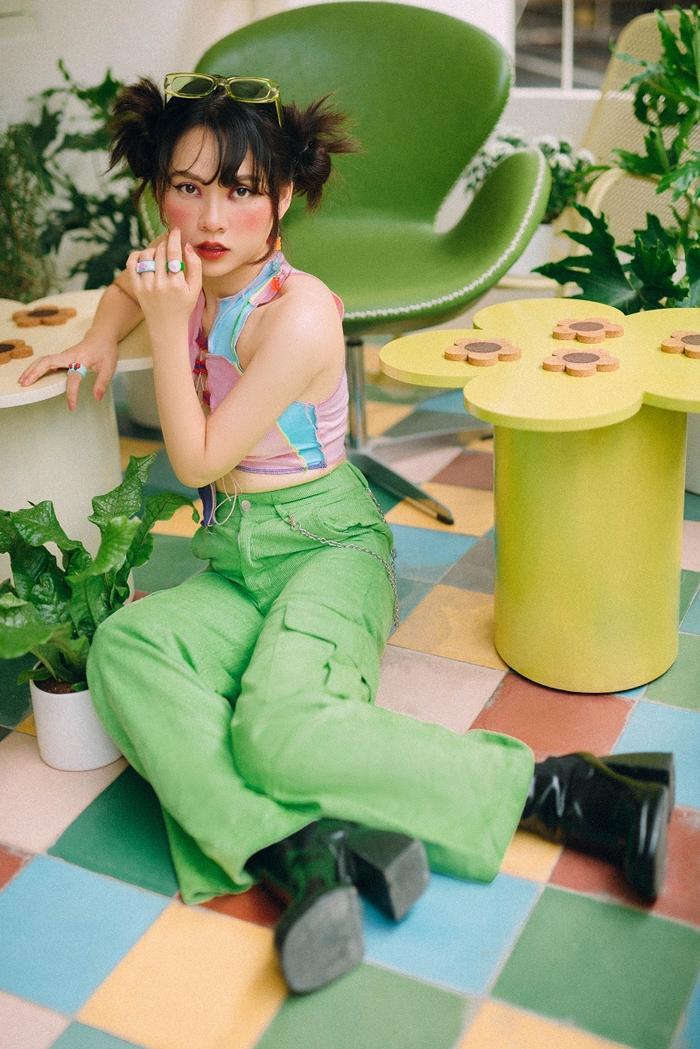 Ngô Lan Hương - Học trò Tóc Tiên khiến fan thích thú với phong cách thời trang Y2K Ảnh 3
