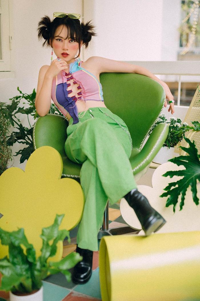 Ngô Lan Hương - Học trò Tóc Tiên khiến fan thích thú với phong cách thời trang Y2K Ảnh 1