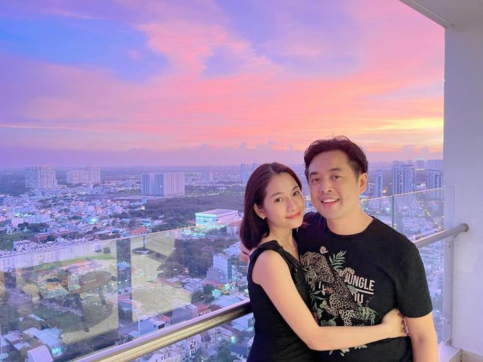 Vợ chồng Dương Khắc Linh - Sara Lưu kỷ niệm 2 năm ngày cưới Ảnh 1