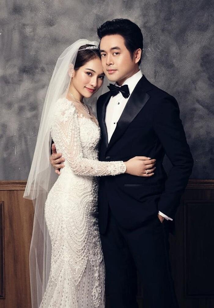 Vợ chồng Dương Khắc Linh - Sara Lưu kỷ niệm 2 năm ngày cưới Ảnh 5