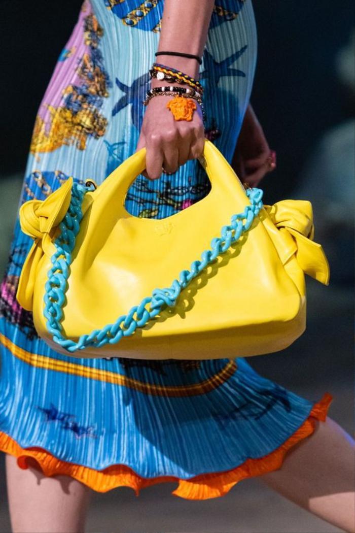 Vòng hạt nhựa năm 2000s trở thành xu hướng trang sức nổi bật trong Hè 2021 Ảnh 6