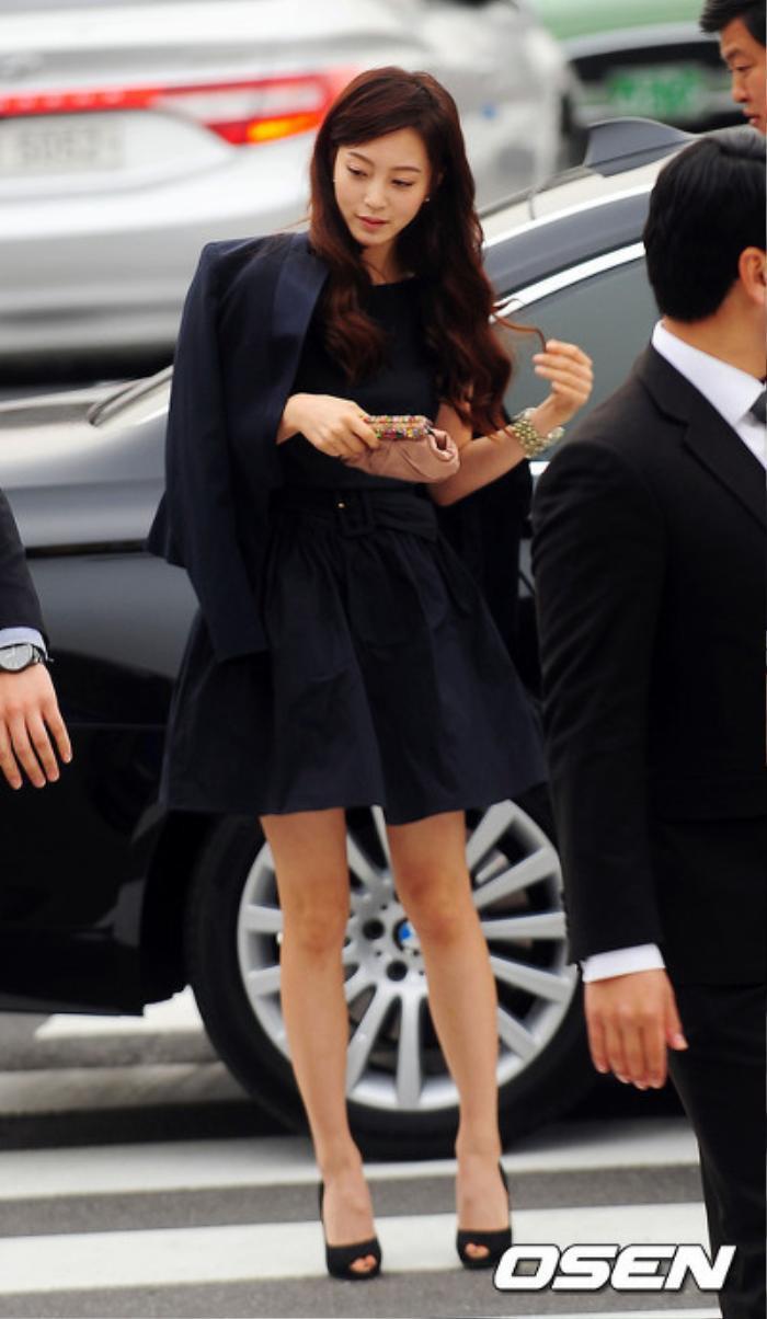 Nhìn lại màn cầu hôn và đám cưới quy tụ dàn sao khủng của Jeon Ji Hyun trước tin ly hôn Ảnh 7
