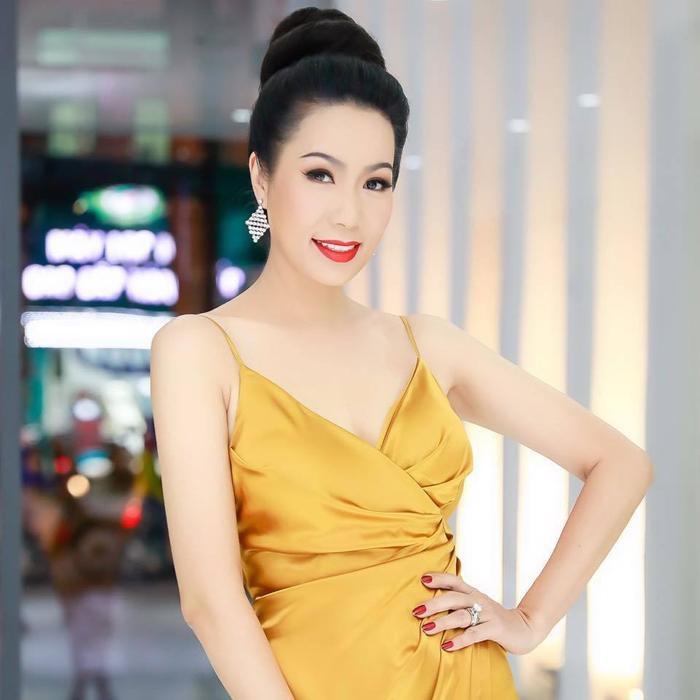 Fan chuyền tay nhau bức ảnh Hồng Vân, Trịnh Kim Chi, Đức Hải 'ngồi chung khung hình' giữa ồn ào showbiz