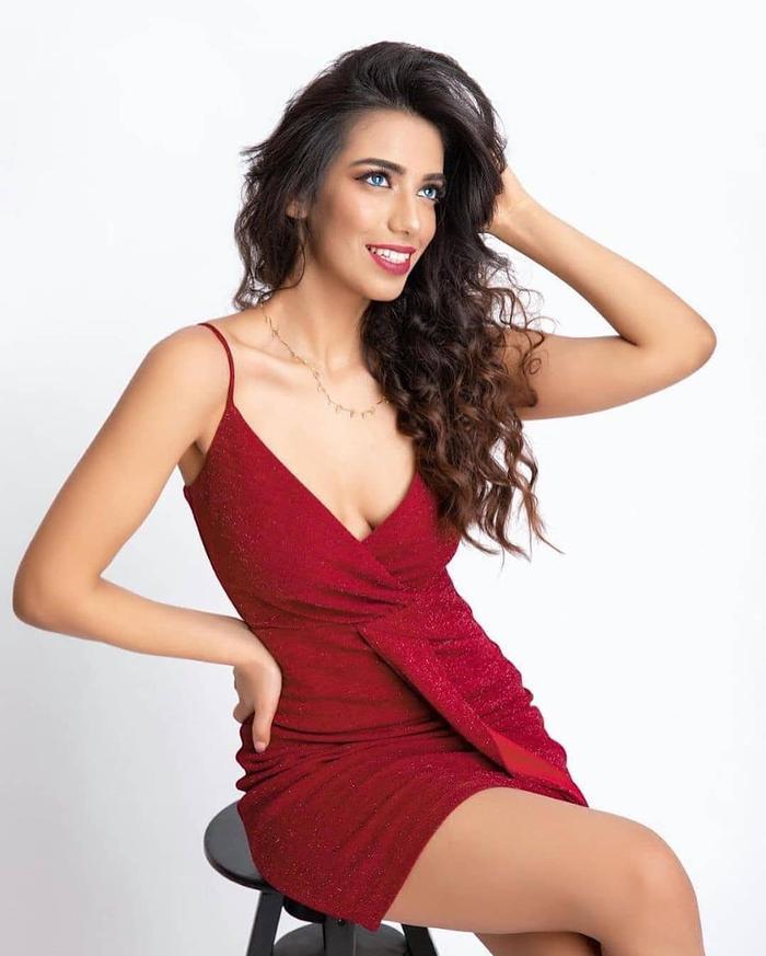 Đại diện Pakistan tại Miss World 2021: Thông thạo 6 thứ tiếng nhưng nhan sắc, thần thái kém xa Đỗ Thị Hà Ảnh 5