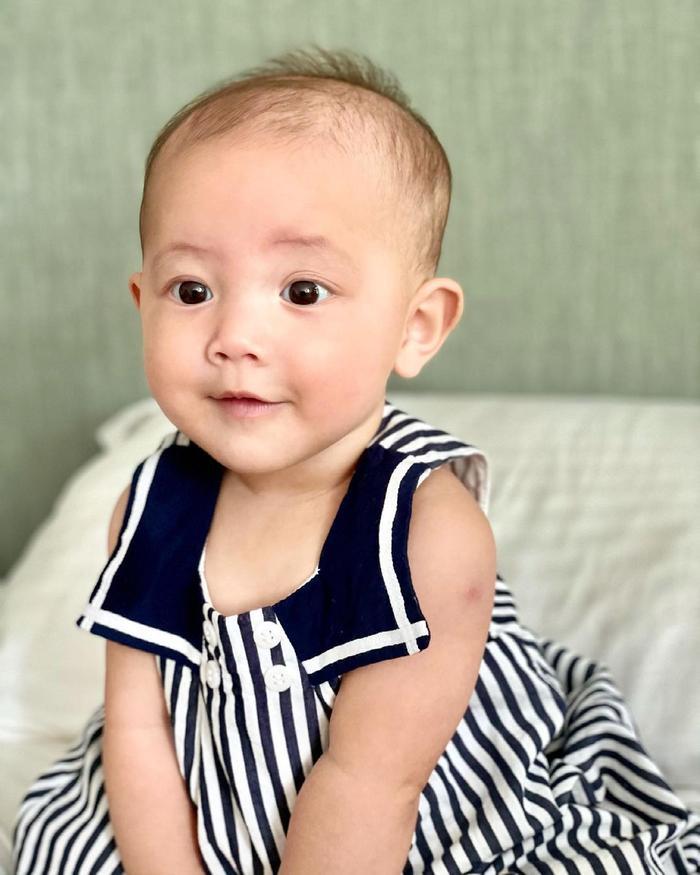 Hà Hồ mừng Lisa - Leon tròn 7 tháng tuổi: 'Bọn con biết ngồi và biết làm nhiều trò rồi' Ảnh 10