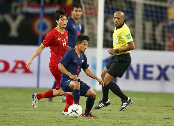 Thái Lan sắp tan giấc mơ World Cup 2022: Trả giá đắt vì không tin Kiatisak? Ảnh 1